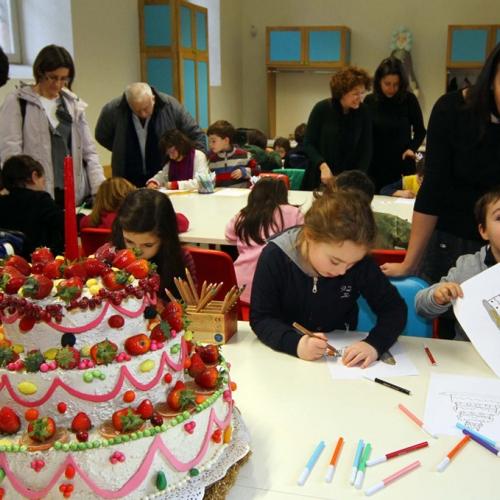 Bambini durante le attività de Il banchetto del Re