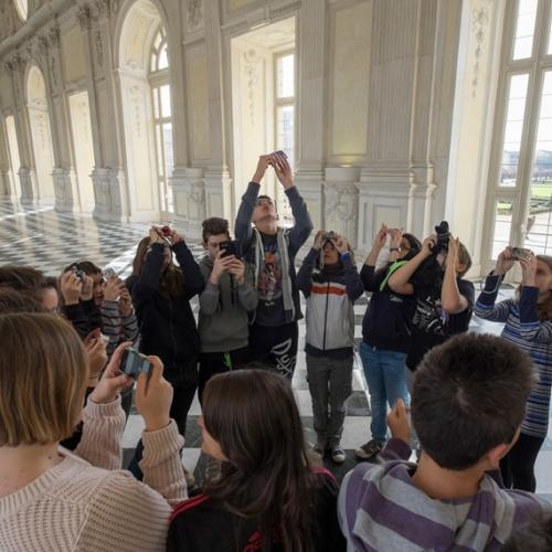 Ragazzi delle scuole durante il progetto Comunicare il Patrimonio culturale - Foto di Pino dell'Aquila
