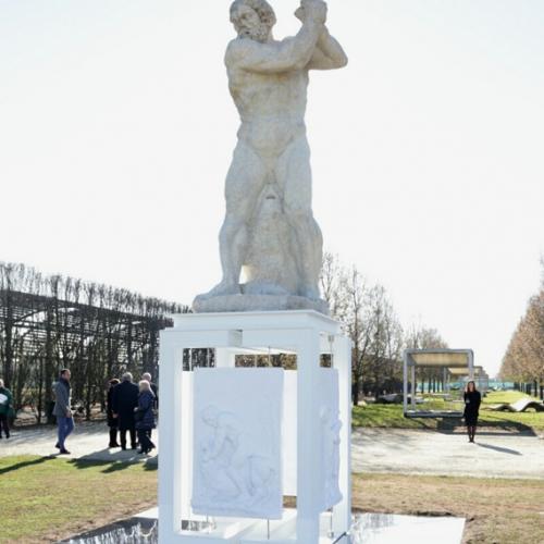 Statua di Ercole colosso nei Giardini della Reggia di Venaria