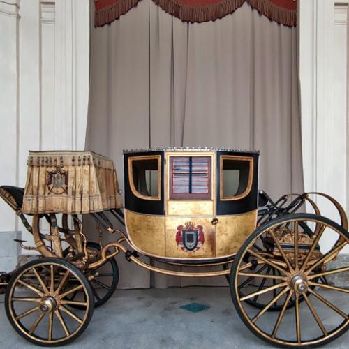 La carrozza di Napoleone davanti alla Scuderia Grande della Reggia di Venaria