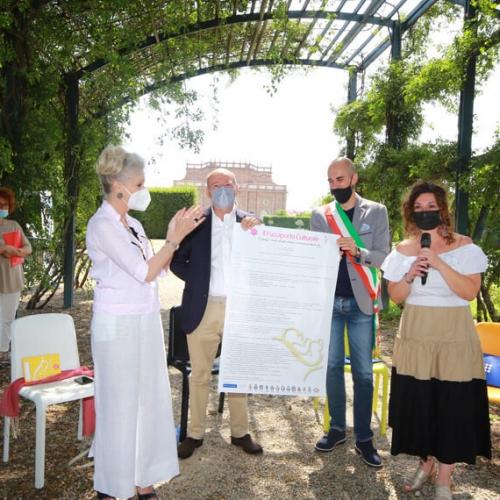 Festa della nascita. Guido Curto e Fabio Giulivi con passaporto culturale