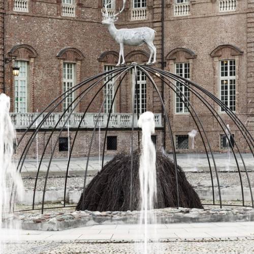 Igloo di Mario Merz nella Fontana del Cervo - Foto di Renato Ghiazza