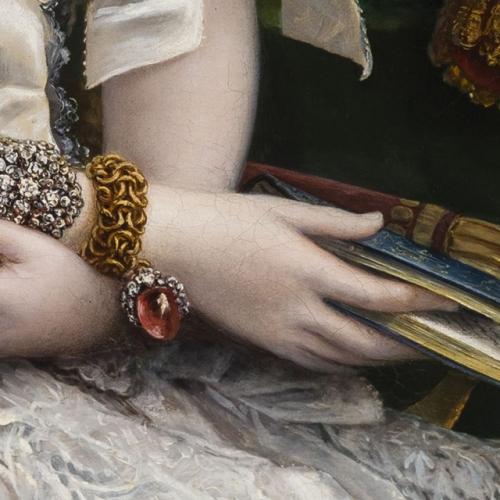 Il ritratto di Maria Adelaide d'Asburgo Lorena, particolare con gioielli e libro