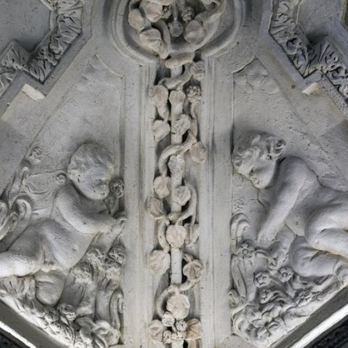 Bernardino Quadri, Putti che coltivano il gelso, 1669, stucco, particolare della volta. Reggia di Venaria, Gabinetto degli uccelli, appartamento di Madama Reale