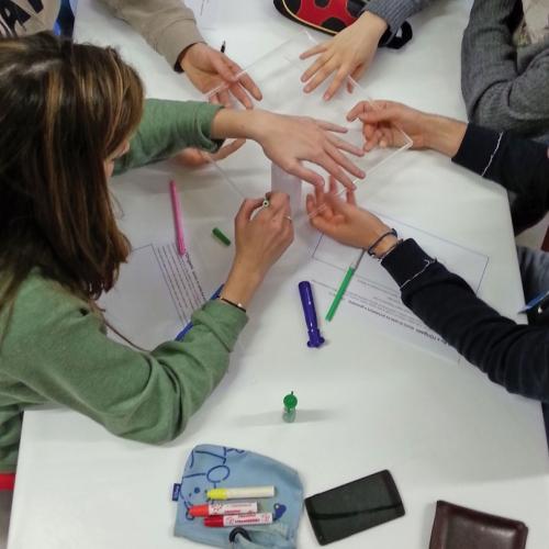 Studenti durante un Laboratorio didattico