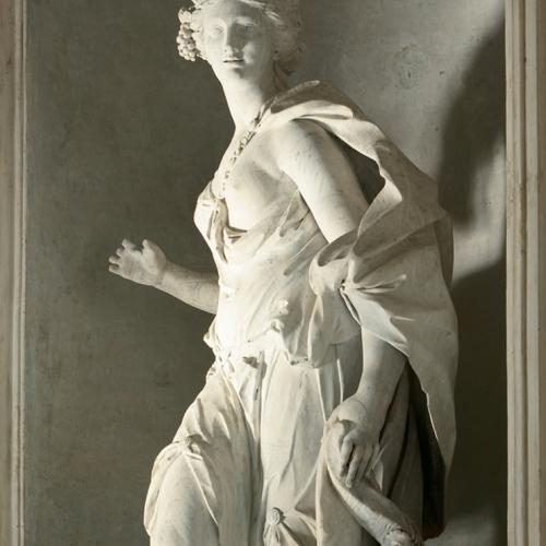 Una delle Statue delle Quattro Stagioni di Simone Martinez nel Rondò alfieriano